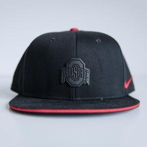 BRAND NEW Nike Ohio State Buckeyes Black Matte Hat b58b1626dce5